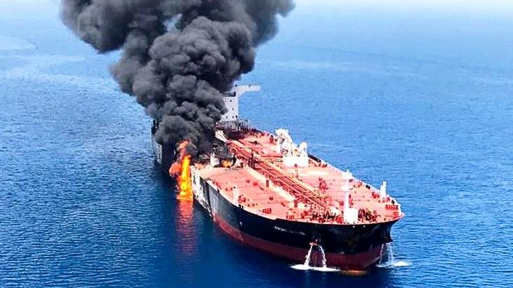 سیر حوادث در ظاهر دارد شتاب میگیرد. تنش میان ایران و آمریکا دارد بیشتر و فضای منطقه ملتهبتر و بخشی از افکار عمومی هم مضطربتر میشود. اما پرده ظاهر را که کنار بزنیم وضعیت نه بغرنج است، نه ملتهب، نه جدید و نه واجد ناشناختگی خاصی.
