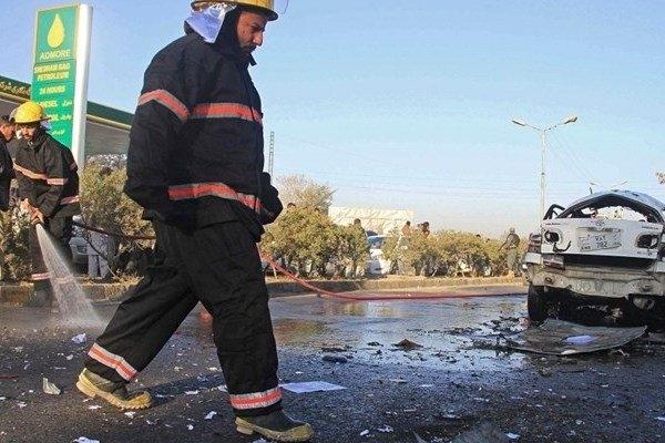 بر اثر انفجار در جلالآباد افغانستان تا کنون یک نفر کشته و ۱۴ فرد دیگر هم زخمی شدند.