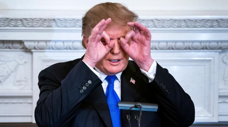 واشنگتنپست نوشت: «رئیسجمهور تنها ده دقیقه قبل از حمله در خصوص ارزیابی کشته شدن افراد سوال کرده است!؟ آیا این مساله را زودتر نپرسیده بود یا زودتر به او گفته نشده بود؟»