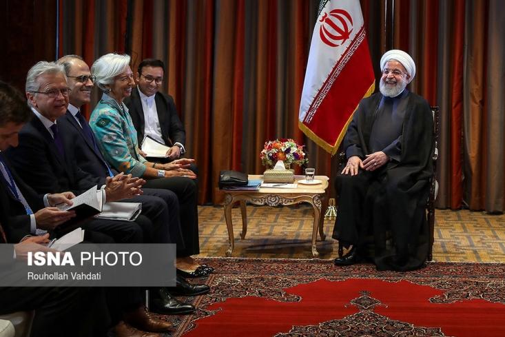 پس از سفر اعضای صندوق بین المللی پول به ایران ، سازمان برنامه و بودجه گزارشی از اصلاحات ساختاری مد نظر خود منتشر کرد که برخی کارشناسان معتقدند ردپای تفکرات خطرناک نهادهای وابسته به آمریکا در آن دیده میشود.