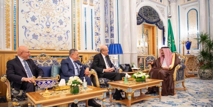 نخستوزیران سابق لبنان با سفر به عربستان سعودی با پادشاه این کشور در شهر «جده» دیدار و گفتوگو کردند.