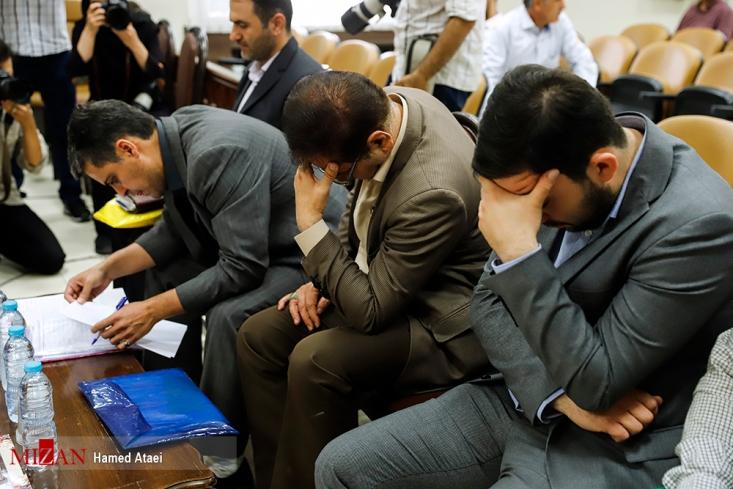 صلواتی خطاب به متهم: سازمان اطلاعات تهران با شما تماس گرفت و به شما هشدار داد و نقاط ضعف توزیع گوشت را گوشزد کرد اما شما به همکارانتان میگفتید گوشیهایتان را خاموش کنید چون سازمان اطلاعات وارد ماجرا شده است!