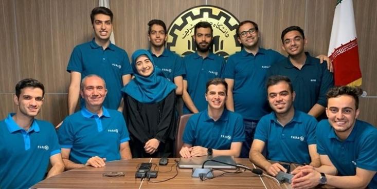 دانشجویان دانشگاه صنعتی شریف برای نخستین بار به عنوان یک تیم ایرانی مقام اول مسابقات بینالمللی انجمن هوانوردی و فضانوردی آمریکا AIAA را در شاخه طراحی موتورهای توربین گاز هوایی کسب کردند.