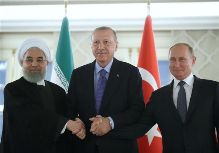 روسای جمهوری ایران، روسیه و ترکیه، در بیانیه ای مشترک، تمامی تلاش ها به منظور ایجاد واقعیات جدید در صحنه میدانی سوریه به بهانه مبارزه با تروریسم از جمله ابتکارات غیرمشروع خودمختاری را مردود شمردند.