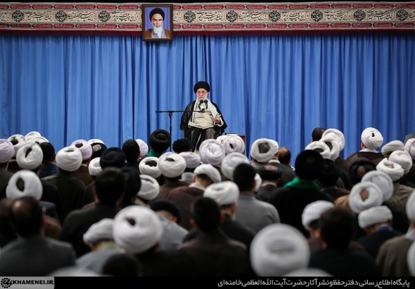 حضرت آیتالله خامنهای  تأکید کردند: سیاست فشار حداکثری در مقابل ملت ایران پشیزی ارزش ندارد و همه مسئولان جمهوری اسلامی یکصدا معتقدند که با آمریکا در هیچ سطحی مذاکره نخواهد شد.