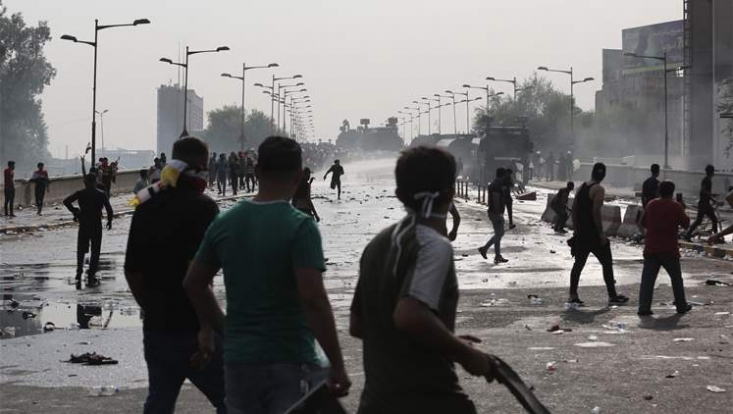 ایراناینترنشنال که از سوی دولت سعودی مأموریت تهاجم رسانهای به مردم ایران را دارد در کنار آمدنیوز، سعی دارند با وارونه جلوه دادن حقیقت اعتراضات مردم عراق برای مردم ایران، سعی دارند برادری مردم عراق و ایران را تحتالشعاع قرار دهند.