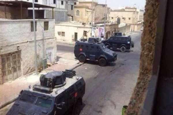 نظامیان رژیم سعودی با خودروهای زرهی به یکی از مناطق واقع در شهر شیعه نشین «العوامیه» یورش بردند.