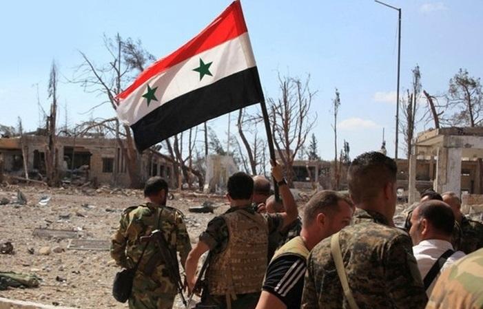ورود نیروهای ارتش سوریه به استانهای «رقه»، «حسکه» و شمال «حلب»، و فرار شماری از تروریستهای داعش از زندانهای کردها، در آمریکا و اروپا جنجال به پا کرد. در آمریکا سران کنگره حس میکنند همه آنچه را که آمریکا از سال 2011 تا کنون در سوریه رشته بودند، «دونالد ترامپ» یکجا پنبه کرد.