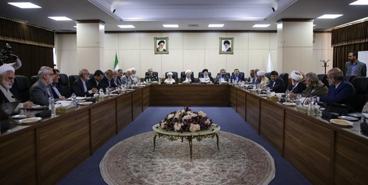خلاف گویی های دولتمردان و انتساب مطالب کذب به ایشان باعث شد تا مجمع تشخیص مصلحت نظام به این ادعا پاسخ دهد.