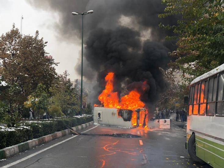 برخی از اخبار نیز حاکی از آن است که در دو روز گذشته، در شهرهایی که درگیر آشوب بودند، مساجد نیز مورد حمله اشرار قرار گرفته است.