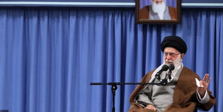 هزاران بسیجی امروز (چهارشنبه 6 آذر) با رهبر معظم انقلاب اسلامی در حسینیه امام خمینی (ره) دیدار میکنند.