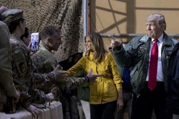 منابع خبری از اصابت پنج موشک به بزرگترین پایگاه نظامی آمریکا در عراق خبر دادند.
