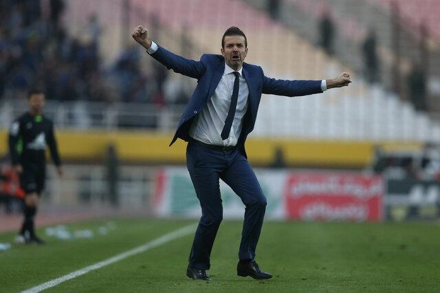 سخنگوی وزارت ورزش و جوانان میگوید که سرمربی ایتالیایی استقلال در دیدار شنبه این تیم روی نیمکت حضور خواهد داشت.