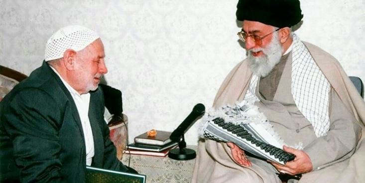 حسین عرب سرخی پدر شهیدان محسن، مجتبی و محمدرضا عربسرخی دار فانی را وداع گفت و به دیدار فرزندان شهیدش رفت.