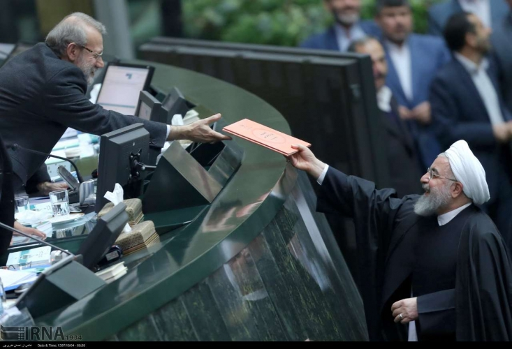 برخلاف ادعای روحانی و نوبخت که بودجه 99 را غیرنفتی اعلام کرده اند دولت در یک اشتباه بزرگ بودجه کشور را بار دیگر با تکیه فراوان به صادرات نفت تنظیم کرده است.