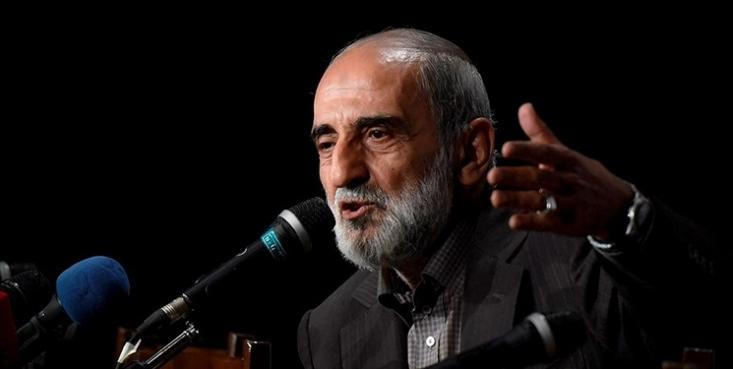مدیرمسؤول روزنامه کیهان تصویب FATF را به خودکشی از ترس مرگ تشبیه کرد و گفت: پذیرفتن FATF یعنی به دشمن برای رصد همه تراکنش های مالی اجازه داده شود.