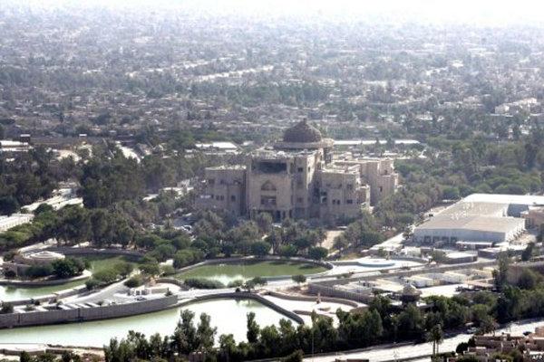 منابع خبری چهارشنبه شب از شنیده شدن صدای انفجار در منطقه سبز بغداد و اصابت چند راکت به این منطقه خبر دادند.