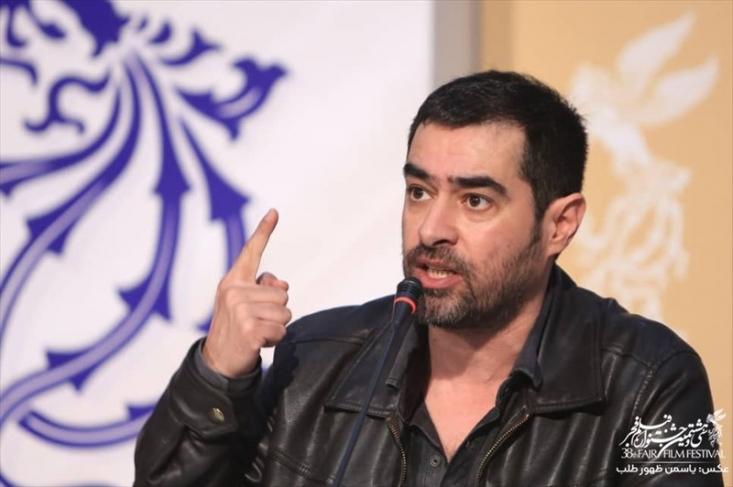 شهاب حسینی در نشست خبری فیلم سینمایی «شین» گفت: دو سال است که عدهای بدون فحش نمیتوانند حرف بزنند؛وی هم چنین در ادامه از تحریم جشنواره فیلم فجر توسط مسعود کیمیایی به شدت انتقاد کرد.
