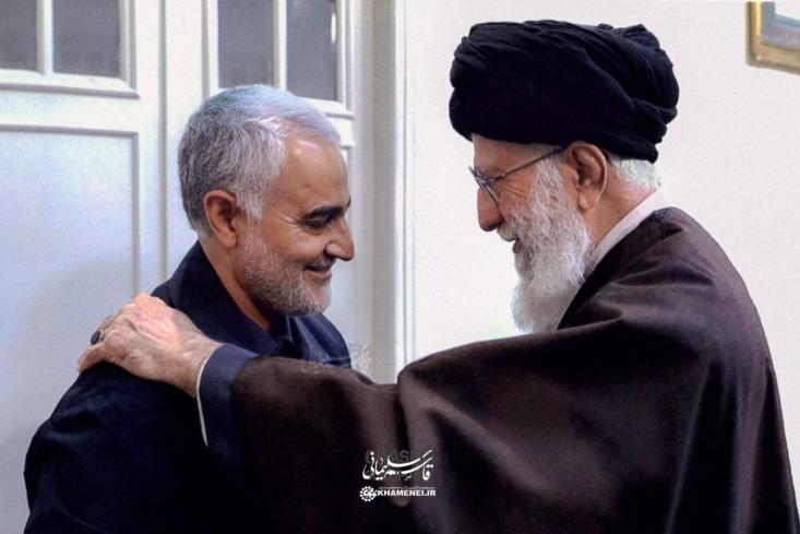 من حضرت آیتاللهالعظمی خامنهای را خیلی مظلوم و تنها میبینم. او نیازمند همراهی و کمک شماست و شما حضرات با بیانتان و دیدارهایتان و حمایتهایتان با ایشان میبایست جامعه را جهت دهید.