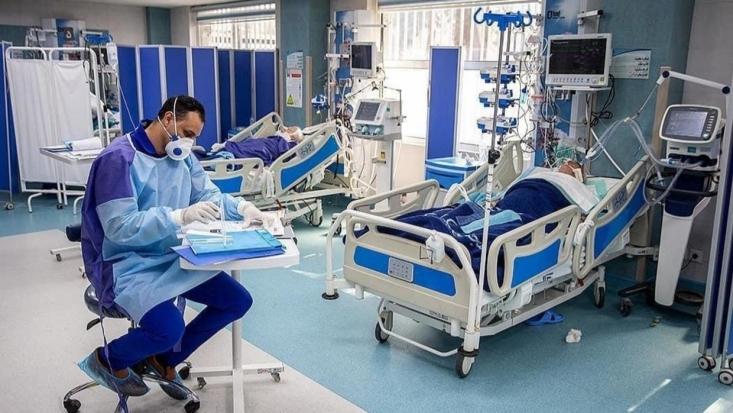 جهانپور گفت: متاسفانه در طول ۲۴ ساعت گذشته، ۷۵ نفر از مبتلایان جدید کووید ۱۹ جان خود را از دست دادند و مجموع جان باختگان این بیماری در کشور به ۴۲۹ مورد رسید.