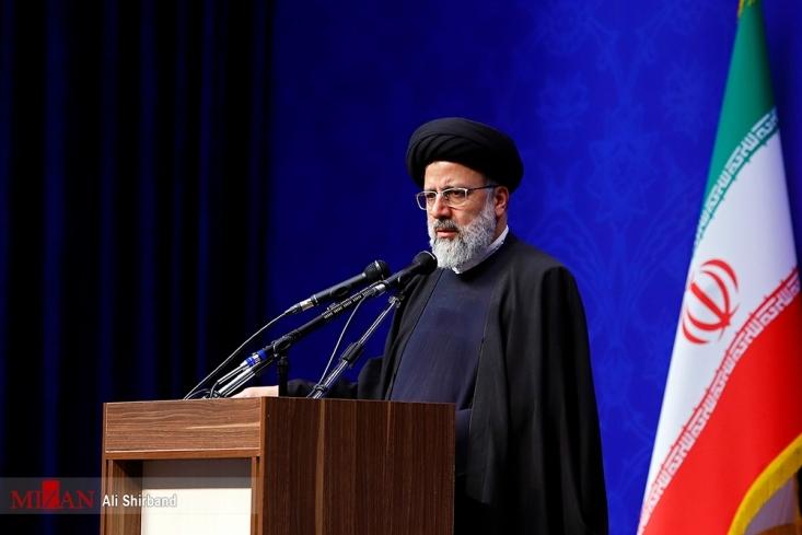 آیت الله رئیسی خطاب به وزیر بهداشت گفت: رویکرد جدید ضد فساد شما در وزارت بهداشت قابل تقدیر است.