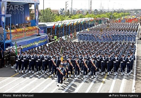 رئیس ستاد و معاون هماهنگکننده ارتش جمهوری اسلامی ایران اعلام کرد که رژه ۲۹ فروردین برگزار نمیشود.