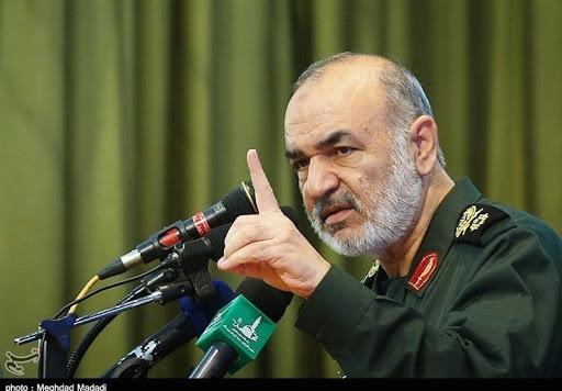 سردار سلامی گفت: به آمریکاییها اعلام میکنیم که در دفاع از امنیت ملی و مرزهای آبی کاملاً مصمم هستیم و هر اقدامی با پاسخ قاطع و سریع ما مواجه خواهد شد.