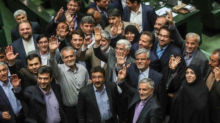 اصلاحطلبان در انتخابات مجلس دهم با شعارهای معیشتی و اقتصادی توانستند سبد رای اکثریت قاطع تهرانیها را به خود اختصاص دهند و اکنون در پایان عمر این مجلس، ارائه گزارش عملکردشان بهویژه در این حوزهها ضروری است.