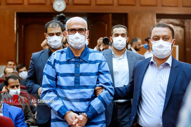 اولین جلسه رسیدگی به اتهامات اکبر طبری معاون اجرایی سابق حوزه ریاست قوه قضاییه و متهمان دیگر این پرونده در شعبه ۵ دادگاه کیفری یک استان تهران در حال برگزاری است.