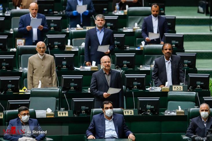 علیرغم نظر اکثریت انقلابی مجلس که به دنبال رد اعتبارنامه تاجگردون بودند، قالیباف حتی در جلسه بررسی اعتبارنامه تاجگردون حاضر نشده است که بخواهد موافقت یا مخالفت خود را اعلام کند.