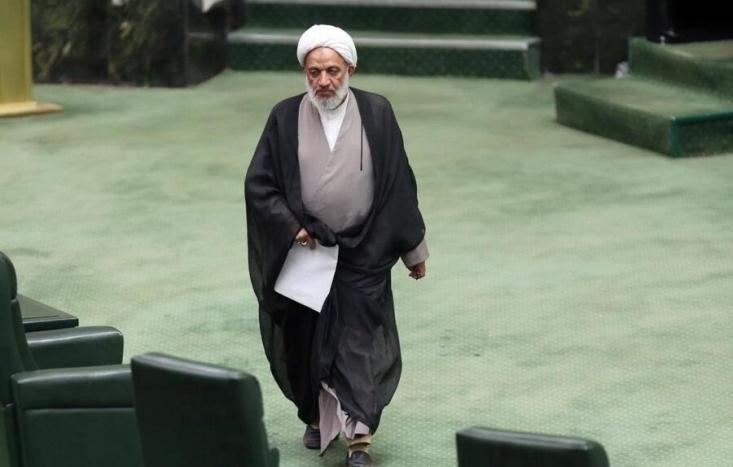 نماینده تهران در مجلس معتقد است که در شرایط فعلی که مردم در تنگنای اقتصادی قرار دارند و تهیه مسکن برایشان سخت شده است پرداخت ودیعه مسکن به نمایندگان کار مناسبی نیست.