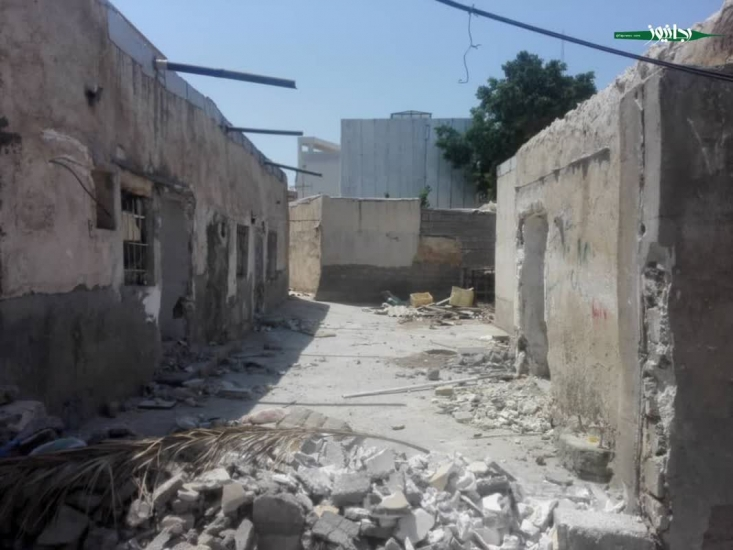 بعد از حملهی عراق به کشور بسیاری از مردم خوزستان آواره و به شهرهای دیگر پناه بردند. بعضی از این آوارگان جنگ به شهر بوشهر آمده و از طرف مسئولین وقت در خانه های متروکهی محلهی بیسیم اسکان داده شدند. حال پس از سی و دو سال دوباره این مردم آواره شدهاند.
