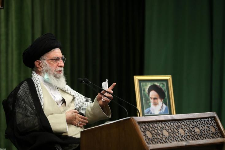 به علت بنیه قوی و قدرت دفاعی، کشور بدون تردید توان غلبه بر این بیماری را دارد، همانگونه که دشمنان نیز امروز اذعان میکنند که با وجود سختترین تحریمها و فشارهای همهجانبه نتوانستهاند به اهداف ضد ایرانی خود دست یابند.