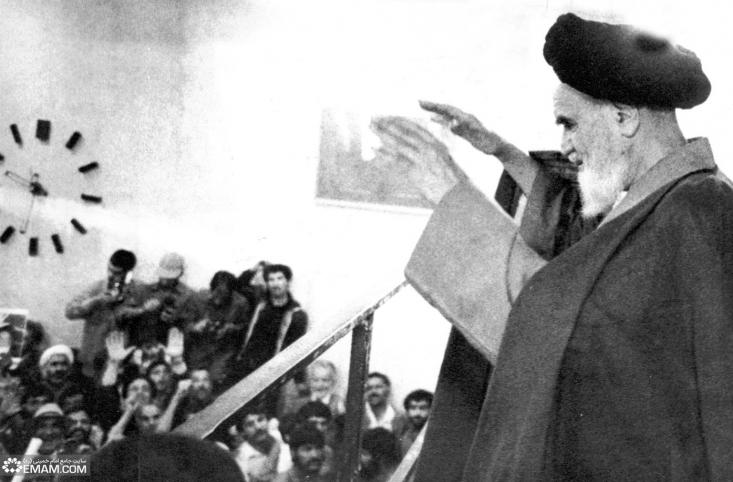 امام خمینی در این پیام ضمن اشاره به جنایتی که سعودیها در حج خونین سال 66 مرتکب شدند، در ارتباط با قطعنامه نیز نکاتی را بیان کردند که خواندش بر هر مسلمانی واجب است.