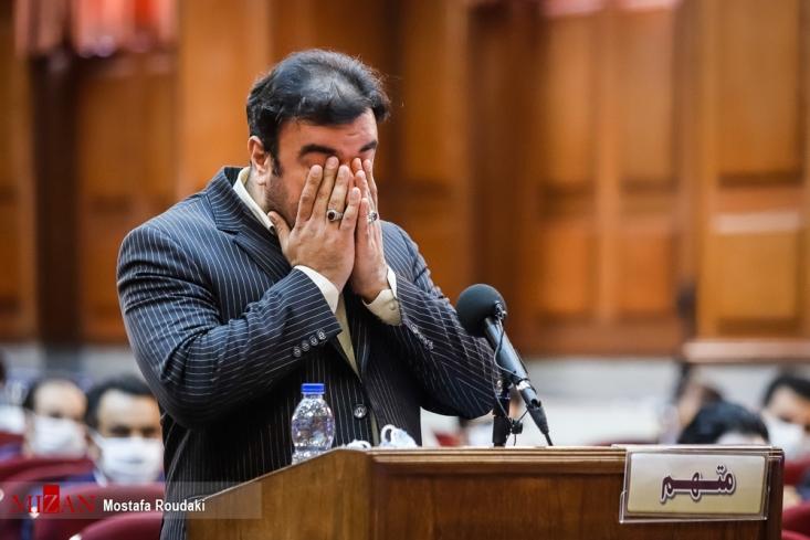 نماینده دادستان گفت: ارتباط دیگر صالحی با آل علی، خرید و فروش سکه و ارز است و آل علی مدعی است که هزار سکه و ۵۰۰ هزار دلار دریافت کردم و نرخ را به ریال دادم. ۱۲۰ هزار دلار آل علی به صالحی داده است.