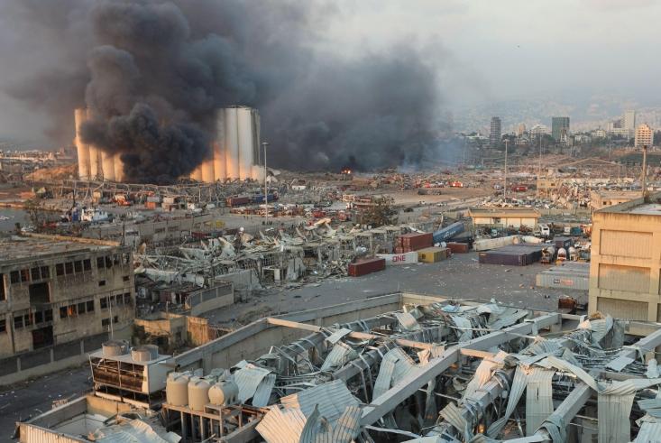وقوع انفجاری مهیب در پایتخت لبنان علاوه بر خسارات مالی و جانی بسیار و واکنش محافل رسمی و سیاسی کشورهای مختلف جهان، باعث تقویت گمانه زنی ها در مورد عاملان احتمالی این حادثه شد.