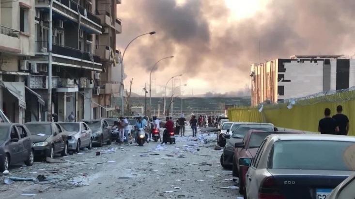 بلافاصله بعد از وقوع انفجار بیروت، جریانهای رسانهای با تمام توان دستبه کار شدند و تلاش کردند عرصه جنگ روایتها در لبنان و منطقه را به نفع خود بچرخانند.