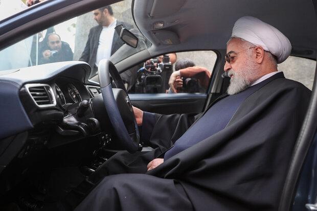 دولت روحانی با اهتمام ویژه همتی رئیس بانک مرکزی درصدد بوده تا با فشار افکارعمومی و به عجله انداختن مسئولین این طرح را همچون مصوبه افزایش قیمت بنزین از سه قوه دریافت کند.