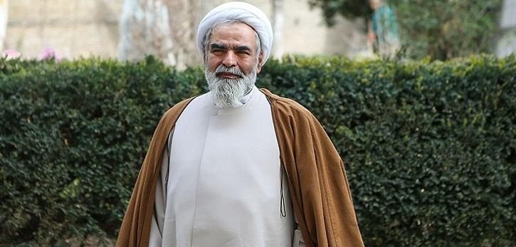 روح ملکوتی حجتالاسلام و المسلمین روحالله حسینیان، رئیس مرکز اسناد انقلاب اسلامی به یاران شهیدش پیوست.