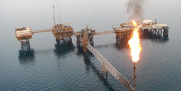 در حالی که عربستان سعودی در حال برداشت از سهم ایران در میادین گازی فرزاد است، وزارت نفت با غفلتی طولانی از این میدان هدیه بزرگی را به عربستان داده است چنانکه روزانه عربستان در حدود 4.5 میلیون دلار از سهم گاز ایران در این میدان را برداشت می کند.