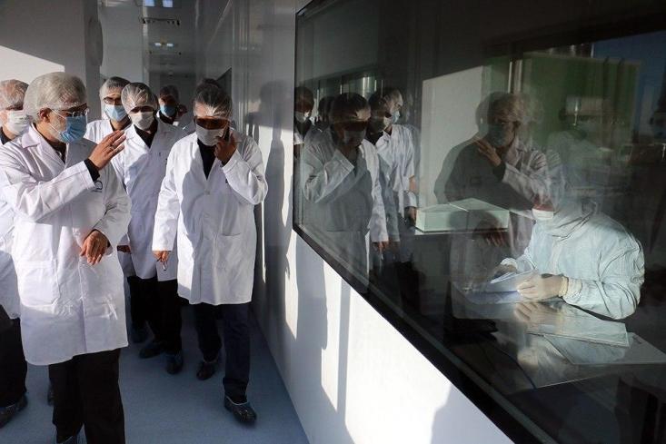 دکتر سعید جلیلی، نماینده رهبرانقلاب در شورایعالی امنیت ملی طی یک سفر یک روزه از چندین شرکت دارویی که از جمله تولیدکنندگان داروهای بایوتکنولوژی در داخل کشور هستند، بازدید بعمل آورد.