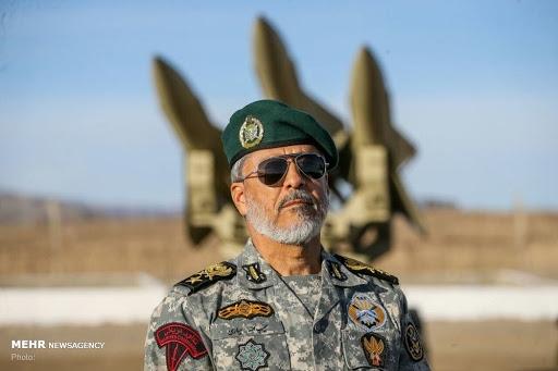 معاون هماهنگ کننده ارتش با بیان اینکه ارتش و سپاه یک مشت بر ضد دشمن هستند، گفت: همه تحرکات دشمن در زمین، دریا و هوا را در منطقه و فرامنطقه رصد میکنیم.