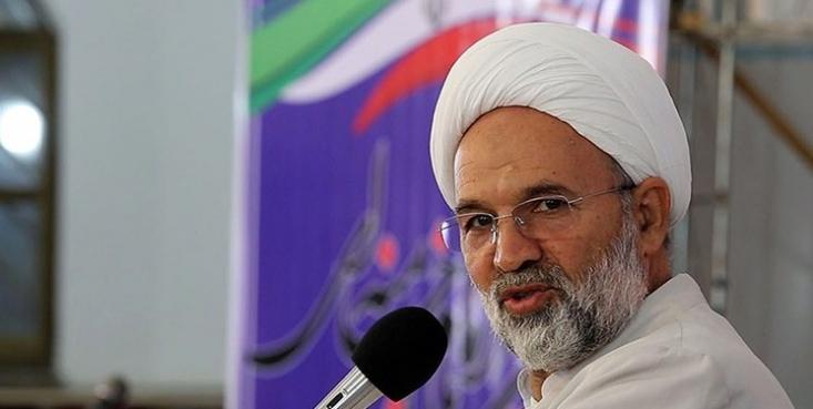 حجتالاسلام قاسم روانبخش گفت: روحانی سال ۹۶ میگفت اگر رئیسی رأی بیاورد حتماً جنگ خواهد شد؛ با شعار نه به جنگ رأی آوردند، اما حالا میگویند در شرایط جنگی هستیم.