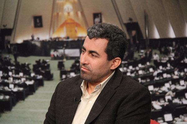 این نماینده مجلس گفت: آنچه امروز شاهد آن هستیم مربوط به امروز و دیروز نیست بلکه ثمره درختی است که 7 سال پیش توسط دولت آقای روحانی کاشته شده است.