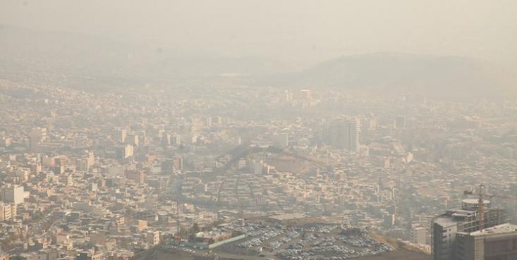 شاخص کیفیت هوا در حال حاضر بر روی عدد ۱۲۲ قرار گرفته و هوای تهران برای گروههای حساس جامعه آلوده است.