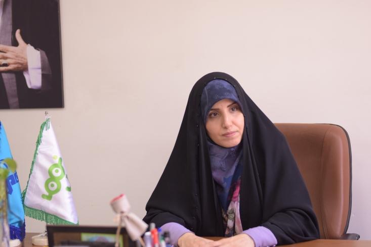 سمیه کاظمبیکی گفت: وقتی برای همکاری در شبکۀ کودک دعوت شدم، مسائل خود را بیان کردم. از جمله آنکه من هر جا باشم، فرزندم همراه من است. این قید برای من خیلی جدی بود و من نیاز داشتم که کودکم در آغوشم باشد و هیچ چیزی ارزش دوری از فرزندم را نداشت.