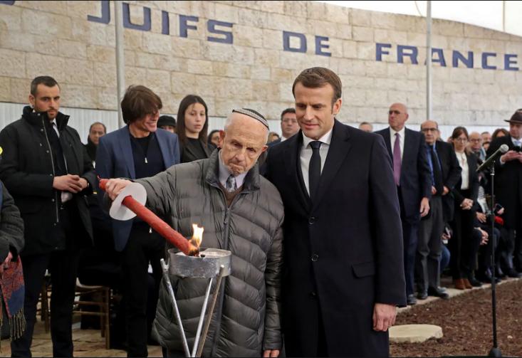 فرانسه قبل از انقلاب فرانسه دختر ارشد کلیسا تلقی میشد، ولی حالا ادعای بزرگتری دارد؛ نمایندگی ارزشهای انسانی. انسان وقتی ادعائی میکند، اگر آن را زیاد تکرار کند، به تدریج آن را باور خواهد کرد. آیا شما واقعاً پرچمدار آزادی، برادری و برابری هستید؟