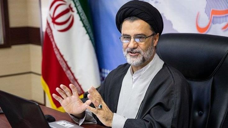 سید محمود نبویان در یادداشتی نوشت: سیاستهای آمریکا در ابعاد گوناگون در تضاد اصولی با سیاستهای ملت ایران قرار دارد و این تضاد، اختصاصی به جمهوریخواهان و دموکراتها ندارد.