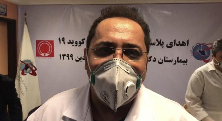هاشمیان گفت: من نمیدانم چرا دکتر ملکزاده طلبکارانه صحبت میکنند؟ پروژه کرونای کشور، کلیه مسائل پژوهشی و کلیه نظراتی که درباره دارو است، زیر دست ایشان بود. شما فوقتخصص گوارش هستید، چه ربطی به کرونا دارید؟